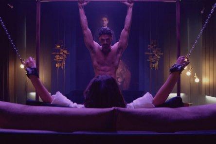 Фильм Netflix вызвал сексуально-феминистский скандал
